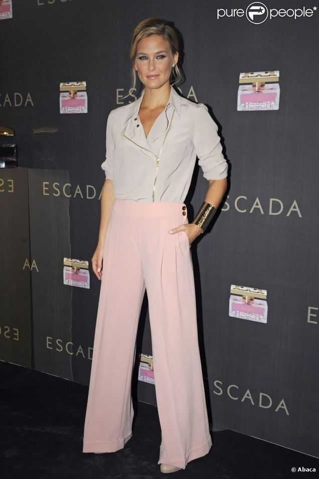 Bar Refaeli à la présentation du parfum Especially Escada à Barcelone le 21 septembre 2011