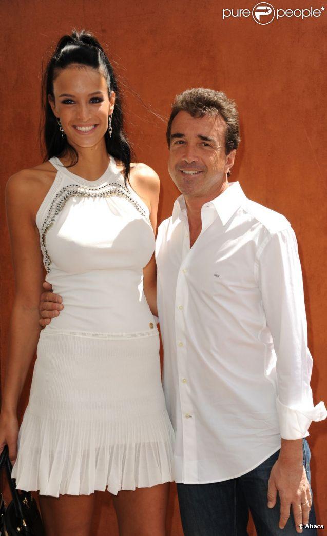 Arnaud Lagardère et sa compagne Jade Foret à Roland Garros en mai 2011