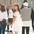 Leighton Meester à son arrivée au défilé Dior le 30 septembre 2011 au musée Rodin à Paris