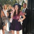 Roxane Mesquida à son arrivée au défilé Dior le 30 septembre 2011 au musée Rodin à Paris