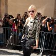 Anna Sherbinina lors de son arrivée au défilé Dior