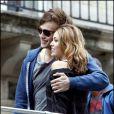 Miley Cyrus et Douglas Booth sur le tournage du remake de LOL en france en octobre 2010