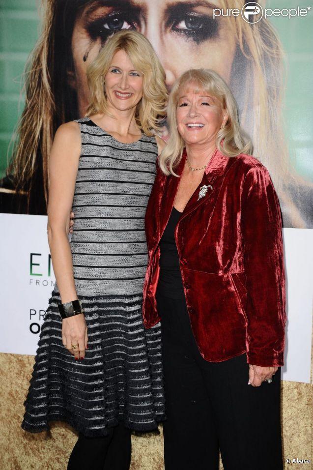 L'avant-première d'Enlightened à Los Angeles le 6 octobre 2011. Laura Dern et sa mère Diane Ladd, déjà à l'affiche ensemble de plusieurs films, dont Sailor & Lula.