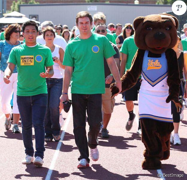 Michael C. Hall participe à la marche de charité en faveur du programme de recherche contre les lymphomes de l'université de Los Angeles, le 9 octobre 2011.