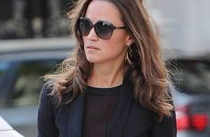 Pippa Middleton perd le sourire mais conserve sa classe face au vent
