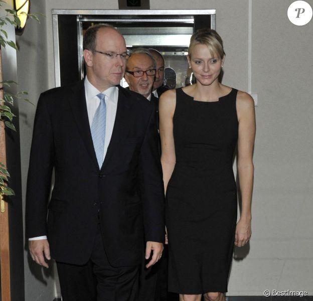Albert et Charlene de Monaco lors de la conférence du Monaco Collectif Humanitaire, le mardi 11 octobre 2011.
