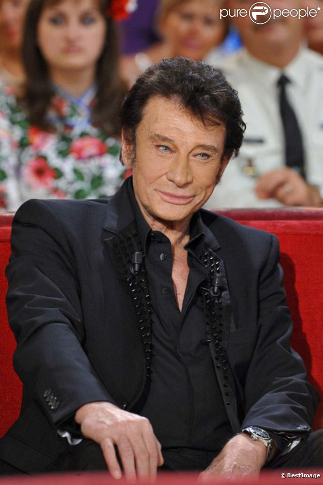 Johnny Hallyday sur le plateau de Vivement Dimanche, émission présentée par Michel Drucker et diffusée le 2 octobre 2011. Prise de vue effectuée le 28 septembre 2011.