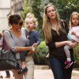 Sarah Jessica Parker emmène ses filles Tabitha et Marion à l'école, à New York, le 14 octobre 2011