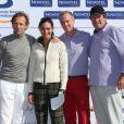 Stéphane Freiss, Inés Sastre, Hubert Auriol et Julien Arnaud lors du trophée Novotel des personnalités au golf à Guyancourt le 15 octobre 2011