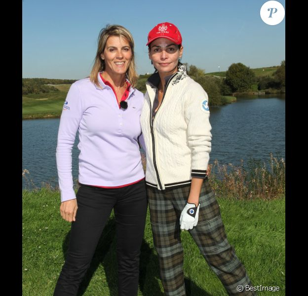Nathalie Vincent et Inés Sastre lors du trophée Novotel des personnalités au golf à Guyancourt le 15 octobre 2011