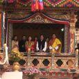 Dimanche 16 octobre 2011, le roi Jigme Khesar du Bhoutan et la reine Jetsun ont vécu l'apothéose des célébrations de leur mariage au stade de Thimpu, après la cérémonie du 13 octobre à Punakha.