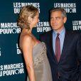 Projection du film de George Clooney Les Marches du pouvoir, à Paris. Il est accompagné de Stacy. 18 octobre 2011