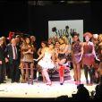 Clara Morgane a fait sensation au défilé du Salon du Chocolat le 19 octobre 2011