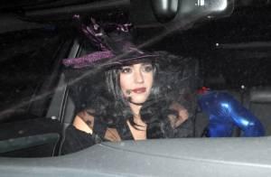 Jessica Alba : Intrigante sorcière la nuit... Maman attendrie le jour !