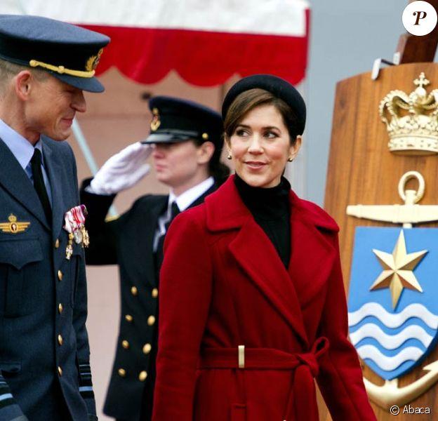 La princesse Mary de Danemark à Odense pour l'inauguration de nouvelles frégates de la Marine danoise, le 7 novembre 2011.