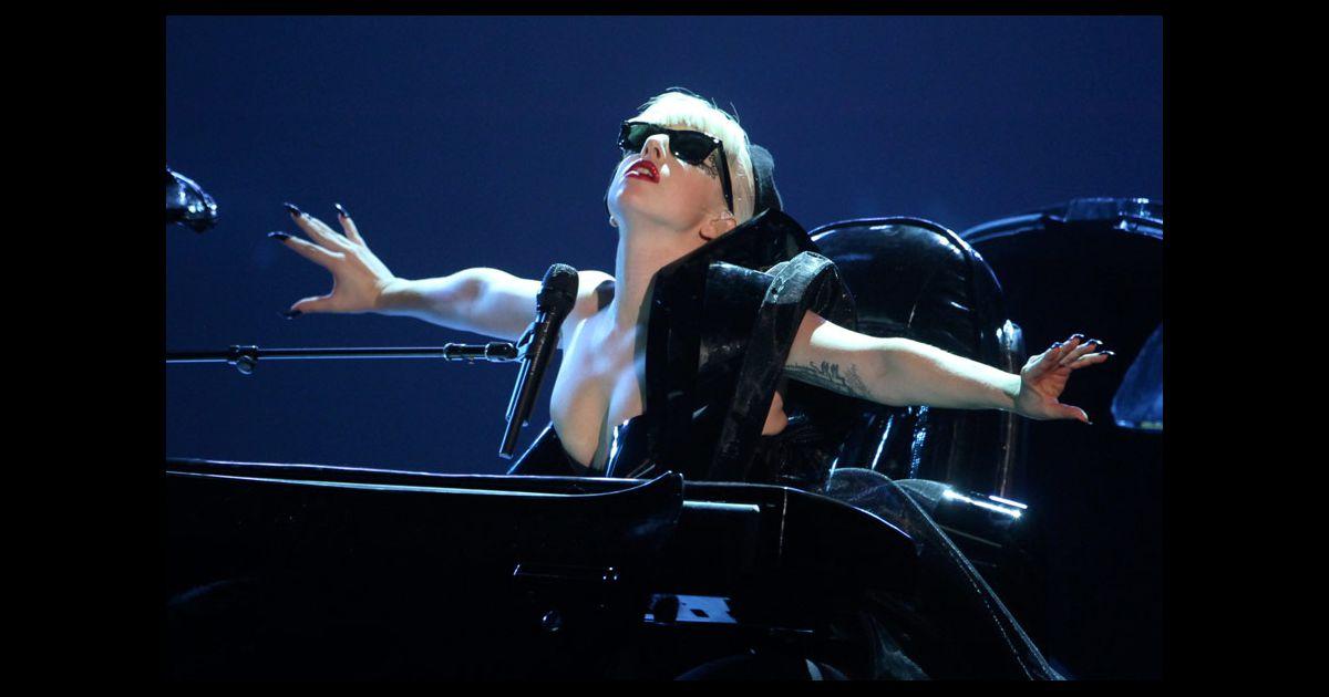 Lady Gaga a chanté Marry the night lors de la cérémonie ...