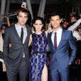 Robert Pattinson, Kristen Stewart et Taylor Lautner lors de la présentation de Twilight - Chapitre : Révélation 1ère partie, à Los Angeles. Le 14 novembre 2011