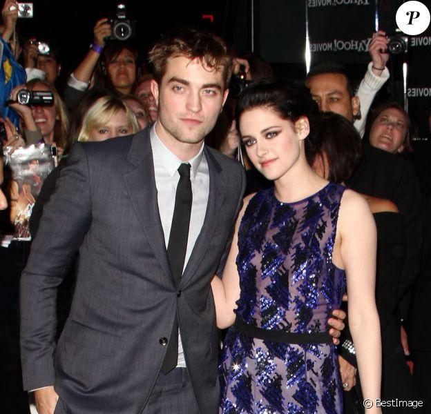 Robert et Kristen Stewart lors du lancement du nouveau volet de la saga Twilight, à Los Angeles, le 14 novembre 2011.
