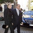 La princesse Charlene de Monaco accompagnait son mari le prince Albert, le 17 novembre 2011, pour la traditionnelle distribution de sacs alimentaires dans les locaux de la Croix Rouge monégasque.