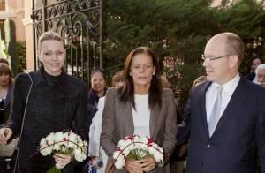 La princesse Charlene rejoint Albert et Stéphanie pour donner avec le sourire
