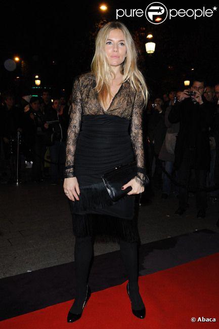 Sienna Miller lors de la soirée anniversaire des 135 ans de la maison Lancel à Paris le 24 novembre 2011