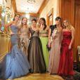 Les débutantes sont en joie : La princesse Charlotte de Bourbon, Eliza Fraser, Tanyatip Chearavanon, Shaiyra Devi, Oriane Piccard et Charlotte Dawnay lors du Bal des débutantes le 26 novembre 2011