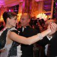 Oriane Piccard et son père Bertrand Piccard lors du Bal des débutantes le 26 novembre 2011