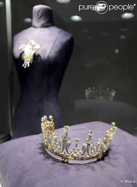 Du 2 au 12 décembre 2011 à New York, une exposition unique dévoile la collection d'Elizabeth Taylor.