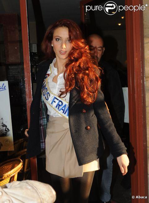 Delphine Wespiser, Miss France 2012, se rend chez Europe 1 le lundi 5 décembre 2011