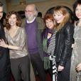 François Vincentelli, Florence Pernel, Jean-Pierre Marielle et sa femme, Julie Depardieu et Valérie Bonneton lors de la générale de la pièce Quadrille à Paris le 12 décembre 2011