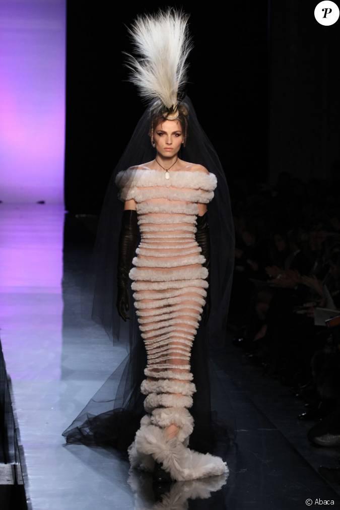andrej pejic en robe de mari e pour le d fil haute