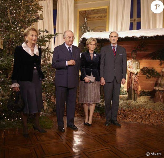 Le roi Albert II et la reine Paola de Belgique, seulement accompagnés de la princesse Astrid et du prince Lorenz, donnaient mercredi 14 décembre 2011 leur traditionnel concert de Noël, au Palais, à Bruxelles.