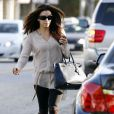 Eva Longoria dans une forme olmypique sort de son salon de coiffure à Los Angeles. Le 20 décembre 2011