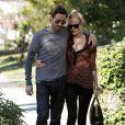 Kate Bosworth et son petit ami Michael Polish sortent de la boutique Burton à Los Angeles, se promènent dans les rues ensoleillées avant d'aller déjeuner au restaurant Le Village idiot le 28 décembre 2011
