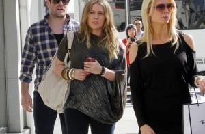 Hilary Duff : Très enceinte, elle s'obstine à rester sur talons, pour son mari