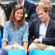 Pippa Middleton au tournoi du Queen's, à Londres, le 9 juin 2011, pour y voir jouer, en compagnie de son ex George Percy, Andy Murray.   En 2011, il n'y a pas que la vie de Kate Middleton qui a changé : celle de sa soeur Pippa Middleton aussi.