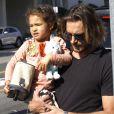 Gabriel Aubry vient chercher sa petite Nahla à l'école le vendredi 6 janvier 2012 à Los Angeles