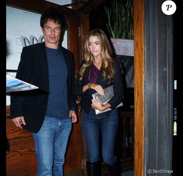 Denise Richards sort du restaurant Madeo avec Patrick Muldoon à Los Angeles, le 9 janvier 2012.