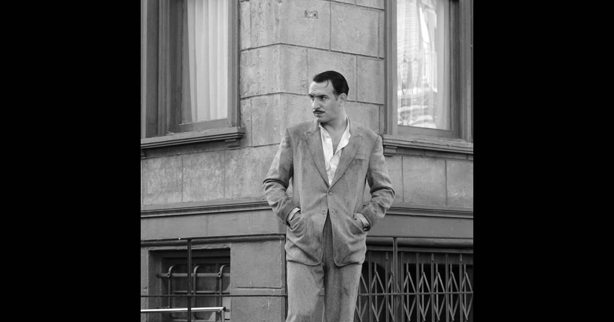 Jean dujardin et uggie le chien dans the artist for Dujardin 94
