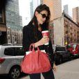 Katie Holmes sort de chez elle à New York, le 13 janvier 2012