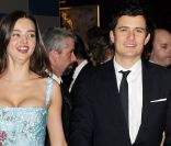 Miranda Kerr : Sculpturale et amoureuse au bras de son Orlando Bloom