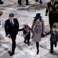 La princesse Mary et le prince Frederik de Danemark ont suivi en famille, avec leurs deux grands enfants, le prince Christian et la princesse Isabella, la messe en l'honneur du jubilé de la reine Margrethe.   Dans le cadre du jubilé de rubis de la reine Margrethe II de Danemark, un office religieux a été célébré dimanche 15 janvier 2012 en la chapelle de Christiansborg, en présence de la famille royale et des invités étrangers.
