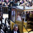 La reine Margrethe II de Danemark a reçu l'ovation, samedi 14 janvier 2012, jour du jubilé de ses 40 ans de règne, de près de 10 000 Danois massés dans les rues de Copenhague pour la voir passer en carrosse doré jusqu'à l'Hôtel de Ville, où, après une réception en son honneur, elle est apparue au balcon avec son époux le prince consort Henrik.