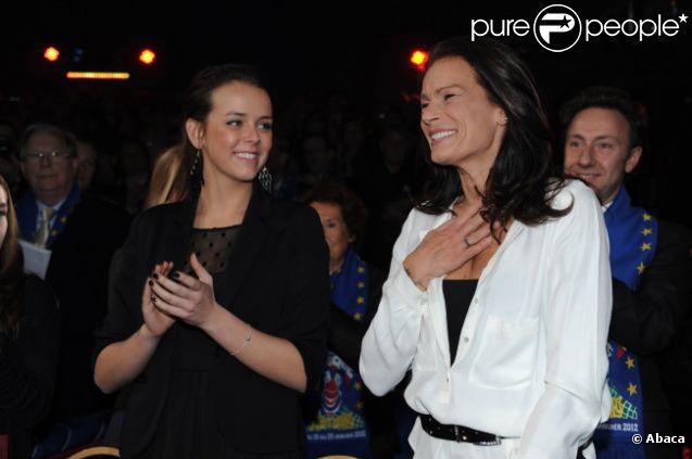 La princesse Stéphanie de Monaco et sa fille Pauline Ducruet lors du 36e Festival International du cirque de Monte-Carlo à Monaco le 21 janvier 2012