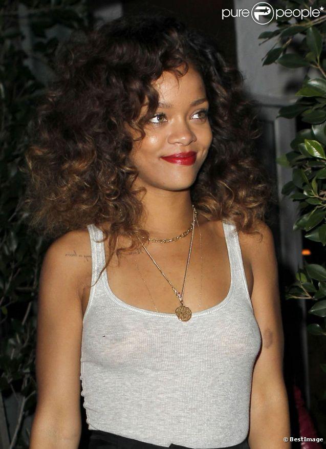 Rihanna, surprise à Los Angeles, le 25 janvier 2012.