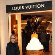 """Catherine Deneuve lors de l'inauguration de la  """"Maison Rome Étoile"""", nouvelle boutique Louis Vuitton à Rome, le 27  janvier 2012"""