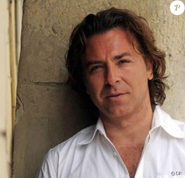 Roberto Alagna, au lendemain d'un concert à Genève, se raconte dans le Matin suisse, en janvier 2012. De son enfance à son coup de foudre et sa passion démente avec Angela Gheorghiu, en passant par la mort brutale de sa première femme Florence, le ténor n'élude rien...