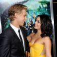 Austin Butler et Vanessa Hudgens lors de l'avant-première du film Voyage au centre de la Terre  2 à Los Angeles le 2 février 2012