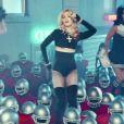 Image extraite du clip  Give Me All You Luvin'  de Madonna, février 2012.