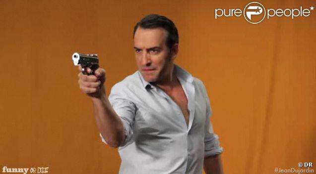 Jean Dujardin se prend pour le méchant dans James Bond pour le site américain Funny or Die